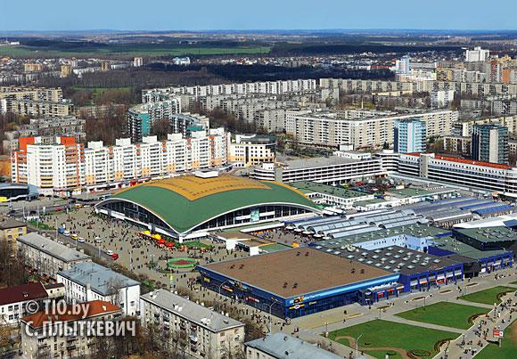 Панорама Комаровского рынка.